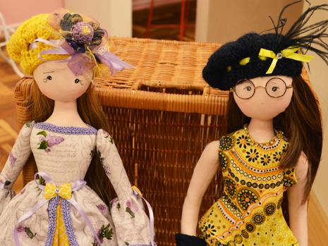 238972fcd8e26 Luciana Kummer – Boina em tricô para bonecas – Ateliê na TV